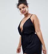 Mono corto de playa con detalle de ribetes de ASOS DESIGN Curve