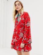 Vestido camisero con estampado floral de Glamorous